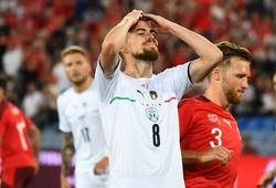 Jorginho sút hỏng phạt đền, Italia buồn vui với kỷ lục thế giới