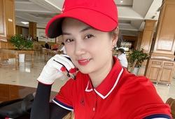 Hoa khôi bóng chuyền Kim Huệtrở lại với... sân Golf