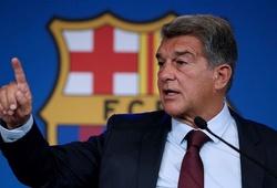 Chủ tịch Barca tiết lộ khoản nợ khủng khiếp khiến Messi ra đi