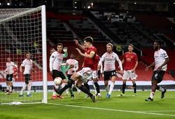 Maguire bỏ lỡ bàn thắng khó tin cho MU ở khoảng cách... 1 mét