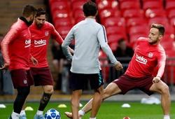 Barcelona phàn nàn về mặt sân Wembley
