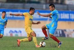 Bảo vệ thành công tấm HCB V.League, HLV Đức Thắng quyết lấy Cúp QG