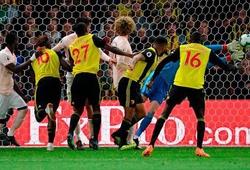 """Vì sao Man Utd phòng ngự tệ, nhưng De Gea vẫn là thánh """"gánh team""""?"""