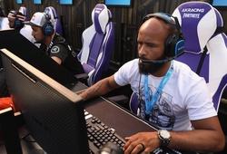 ONE Championship lấn sân eSports với game thủ Demetrious Johnson