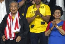 """Đội tuyển Malaysia nhận """"doping"""" từ Thủ tướng trước giờ thi đấu"""