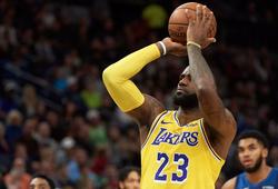 Choáng váng khi nhìn vào tỷ lệ ném phạt của LeBron James cùng Los Angeles Lakers mùa này