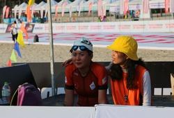 Ironman 70.3 Vietnam 2018: Nữ triathlete xinh đẹp phát khóc chiến đấu với nỗi sợ đuối nước