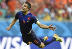 Video 50 bàn đẹp nhất lịch sử World Cup: Cú đánh đầu không tưởng của Van Persie
