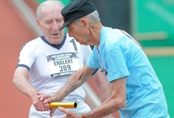 Cụ ông 95 tuổi chạy bộ lập kỷ lục thế giới
