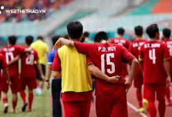 Văn Quyết tập tễnh, Văn Thanh phải nhờ đồng đội cõng sau chiều buồn tại Pakansari