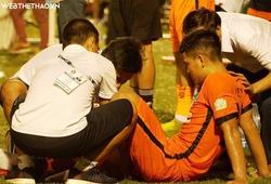 """Hà Đức Chinh gục ngã khi """"nuốt"""" trọn gần cả trận đấu vì quá tải"""