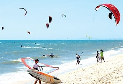 Lướt ván diều ở Ninh Chữ