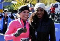 Serena Williams chỉ có Caroline Wozniacki là bạn