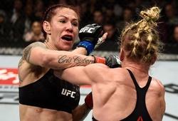 UFC 219: Cris Cyborg, Khabib nối tiếp chuỗi bất bại kinh hoàng