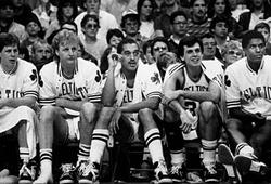 """Trade pick 1 cho 76ers, Celtics muốn tái hiện """"vụ mặc cả thế kỷ"""""""