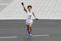 Á quân Nhật Bản nhận 1 triệu USD nhờ lập kỷ lục ở Tokyo Marathon 2018