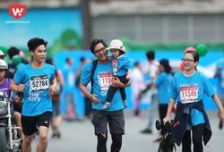 """HCMC Marathon 2018: Các runner nhí """"bỏ quên"""" đồng đội"""