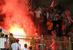 BTC sân Khánh Hòa bị phạt 15 triệu vì CĐV Hải Phòng đốt pháo sáng