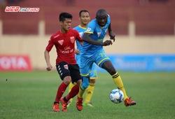 """Mất """"mũi tên đen"""" Uche, S.Khánh Hòa thua đau CLB bóng đá Sài Gòn"""