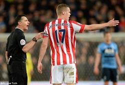 """Premier League: Trọng tài hiện đại vẫn """"hại"""" cầu thủ"""