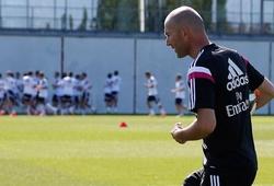 Zidane và số phận không thể tách rời trái bóng