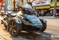 """""""Quái vật"""" Can-Am Spyder dán phong cách nhà binh tại Sài Gòn"""