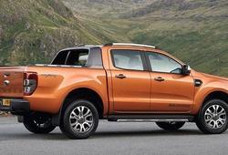 Ford mạnh tay giảm giá xe đến cả trăm triệu đồng trong tháng 8