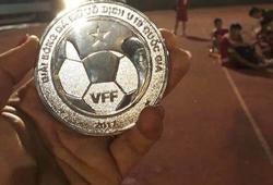 Hy hữu: BTC trao huy chương U19 nữ cho U21 Viettel