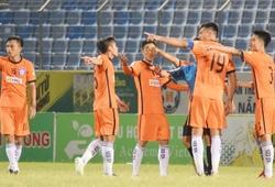 11 cầu thủ vây trọng tài, SHB Đà Nẵng vẫn hạ XSKT Cần Thơ