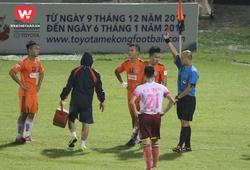 HLV Huỳnh Đức trách móc Huy Toàn vì chiếc thẻ đỏ