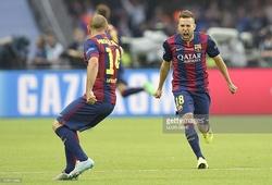 Cả đội hình Barca vỗ tay trước siêu phẩm của Alba