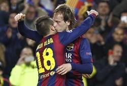 'Cặp đôi trời sinh' Rakitic - Alba đuổi bóng mệt nghỉ trong buổi tập của Barca