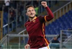 Francesco Totti lập cú đúp Roma ngược dòng ngoạn mục trên sân nhà