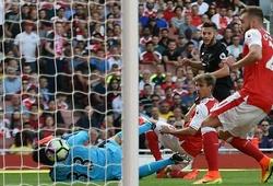Arsenal 3-4 Liverpool: Thảm họa phòng ngự