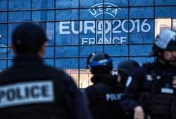 Nổ lớn bên ngoài sân Stade de France trước trận Pháp-Iceland