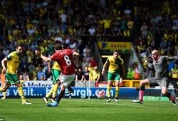 """Norwich 0-1 Man Utd: """"Quỷ đỏ"""" phả hơi nóng vào gáy Man City"""