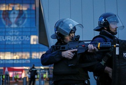 SỐC: Nguy cơ khủng bố EURO 2016 từ chính nhân viên an ninh Pháp