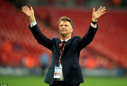 Man Utd chính thức công bố quyết định sa thải Van Gaal