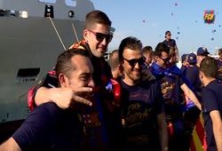 """Barca """"quậy"""" tưng bừng trong ngày diễu hành khoe Cúp"""