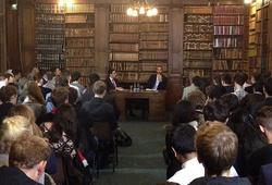 Rio Ferdinand diễn thuyết ở Đại học Oxford