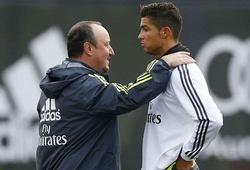 """Ronaldo tung chân """"đá văng"""" Benitez?"""