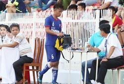 Nhận thẻ đỏ, cầu thủ PVF có hành động đẹp với HLV Hà Nội