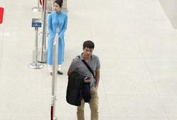 ĐTVN mất hơn 1 giờ làm thủ tục bay sang Hàn Quốc vì hành lý quá cân