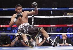 """""""King"""" Khan gục ngã ở hiệp 6 trước Saul Alvarez"""