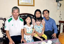 Chuyện về Nguyễn Lê Cẩm Hiền: Người thầy đặc biệt của hai bố con
