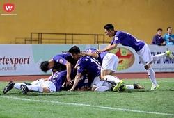 Hà Nội FC nhận quà của FIFA trước trận đấu với Quảng Ninh