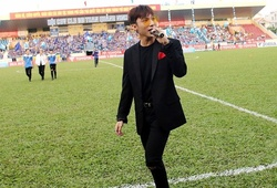 Sau sự cố Long An, Công Vinh mời Sơn Tùng MTP biểu diễn tại sân Thống Nhất