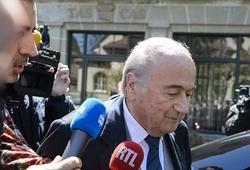 """Sepp Blatter và """"đồng đội"""" tham nhũng số tiền lên tới 55 triệu bảng"""