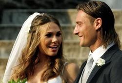 """Totti phủ nhận """"ăn vụng"""" sau lưng vợ: """"Hãy để tôi yên!"""""""