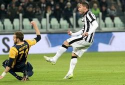 "23h30 (30/05), Verona – Juventus: Khi Tevez nhắm bắn ""Capo"""